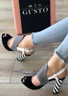 sandales femmes en noir blanc et gris clair aux talons massifs rayures bicolores