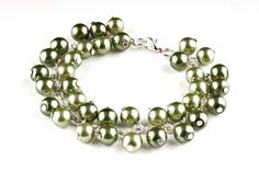 Bransoletka - perły szklane - glass pearls chained bracelet http://corallia.pl/bransoletki/bransoletka-perly-szklane.html#.VNn43y7Hg2g