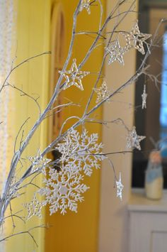 winter sparkle snowflake first birthday party tree