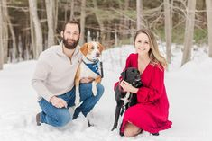 Best of 2020 Sessions with Dogs | Caitlin Page Photography | Get more outfit inspiration from this post full of maternity, family, newborn & engagement sessions. #engagementphotos #newbornphotos #maternityphotos #newenglandengagement Newborn Session, Newborn Photos, Pregnancy Photos, Winter Engagement Photos, Engagement Session, Dog Years, Mom And Dad, What To Wear, Maternity