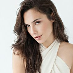 f8d92a515ca2 42 Best Gal gadot images in 2017 | Actresses, Celebrities, Beautiful ...