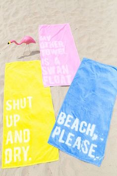 DIY crafts // For the home // To sell // For gifts // Easy + unique ideas just for fun! // DIY graphic beach towels