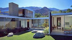 Neutra. Preservation of the magnificent Kaufman house.
