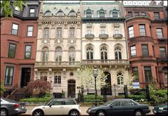 Commonwealth Ave in Boston is a gorgeous blvd of Brownstones with a greenbelt in the center Boston Brownstone, Federal Architecture, Land Of The Free, Big Windows, In Boston, Beautiful Architecture, East Coast, New England, Townhouse