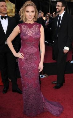 Google Image Result for http://blogofalltrades.files.wordpress.com/2011/03/scarlett-johansson-2011-oscars-dress1.jpeg