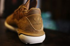 adidas-Tubular-Moc-Runner-Suede-Beige-02