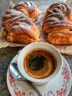 """Škoricové """"osie hniezda"""" - Nelkafood s láskou ku kvásku French Toast, Breakfast, Food, Basket, Morning Coffee, Meals, Yemek, Eten"""