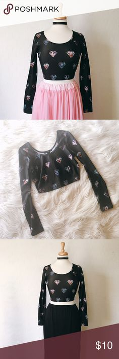 Diamonds Crop Top 💎 Cute little crop top featuring a diamond print. Stretchy + long sleeves. Next day shipping. Forever 21 Tops Crop Tops