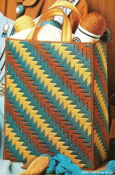 Crochet rug diy plastic bags 29 ideas for 2019 Bargello Needlepoint, Broderie Bargello, Bargello Patterns, Plastic Canvas Coasters, Plastic Canvas Stitches, Plastic Canvas Crafts, Plastic Canvas Patterns, Embroidery Bags, Embroidery Patterns