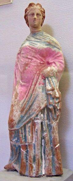 Tanagra figurine of a lady. Ancient Greek Sculpture, Greek Statues, Ancient Greek Art, Ancient Greece, Ancient Rome, Classical Greece, Classical Period, Classical Antiquity, Terracota