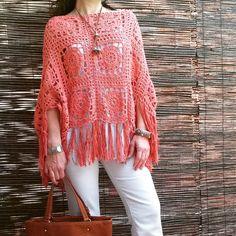 Feito à mão em crochet  100% algodão  85 pode ser usado como saia ou como poncho