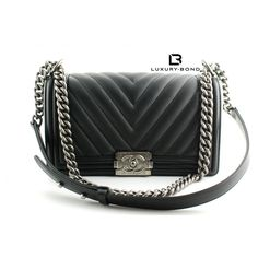 8fdbbc8485ae NWT CHANEL Le Boy Wode CHEVRON Limited Edition Old Medium Size Black CALF Flap  Bag Ruthenium