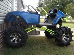 Jacked up golf cart! Lifted Golf Carts, Golf Cart Bodies, Diy Go Kart, Lift Kits, Equipment For Sale, Four Wheel Drive, Chickens Backyard, Offroad, Monster Trucks