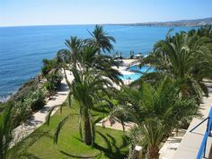 With a stay at Vrachia Beach Resort in Kissonerga, you'll be by the sea and close to Coral Bay Beach. This aparthotel is within the vicinity of Saint Neophytos Monastery and Tombs of the Kings.  See Photos & Booking Options here http://www.lowestroomrates.com/avail/hotels/Cyprus/Kissonerga/Vrachia-Beach-Resort.html?m=p #Kissonerga