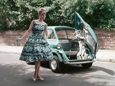 BMW 600 1957 1959 & lovely retro dress