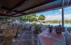Restaurante de Hacienda El Santiscaol con impresionantes vistas al Lago y al Paraje Natural. En Arcos de la Frontera ( Cádiz) Table Decorations, Natural, Furniture, Home Decor, Rustic Cottage, Haciendas, Bows, Restaurants, Homemade Home Decor