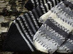 Pehmeitä paketteja: lapaset #mittenS:-) Fingerless Mittens, Knit Mittens, Mitten Gloves, Knitted Hats, Wrist Warmers, Drops Design, Winter Fashion, Knitting, Crochet