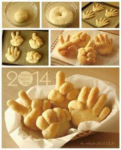 Bread shape like hands Cooking class? Cute Food, Good Food, Yummy Food, Bread Shaping, Bread Art, Food Decoration, Snacks, Food Humor, Creative Food