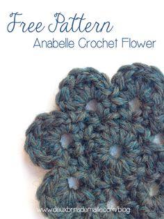 Free Crochet Flower Pattern : Anabelle at http://www.deuxbrinsdemaille.com/blog/2013/09/27/free-crochet-flower-pattern/