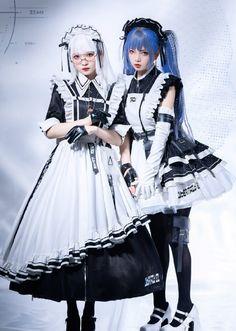 Old Fashion Dresses, Fashion Poses, Maid Outfit, Maid Dress, Harajuku Fashion, Lolita Fashion, Real Costumes, Pose Reference Photo, Kawaii Clothes