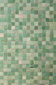 Beautiful mosaic tiles in shades of green < Envers du Decor Vitromosaico Ideas, Palette Verte, Sea Foam, Shades Of Green, Textures Patterns, Decoration, Favorite Color, Tile Floor, Shower Floor