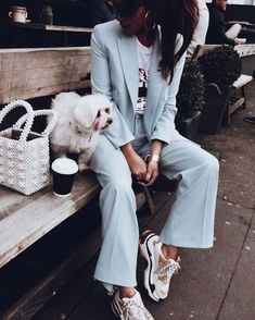 Ensemble bleu et sneakers Balenciaga Suits And Sneakers, How To Wear Sneakers, Sneakers Fashion Outfits, Mode Outfits, Casual Outfits, Sneakers Style, Dad Sneakers, Sneakers Women, Moda Fashion