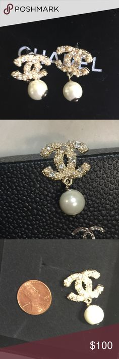 Beautiful Chanel pearl drop earrings Price describe everything. High quality earrings. Comes in with a dustbag. No box. Stamp on the back. Accepting reasonable offers :) CHANEL Jewelry Earrings