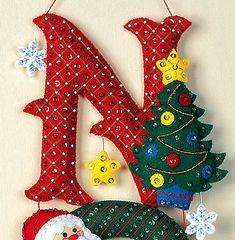 Bucilla NOEL ~ Felt Christmas Wall Hanging Kit Santa, Frosty, Teddy Bear in Crafts, Cross Stitch, Kits Easy Christmas Ornaments, Christmas Wood Crafts, Christmas Mason Jars, Christmas Deer, Felt Christmas, Handmade Christmas, Christmas Stockings, Merry Christmas, Felt Ornaments Patterns