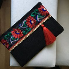 Black evening clutch, womens bag, gift for her, clutch purse, fashion clutch, christmas gift  A fashion statement that will catch everyones attention! This Black evening clutch will bring elegance to your style. It will be chic with jeans or dresses and you may use this clutch bag both day and night. This clutch bag is perfectly handmade with high quality black jute fabric. Designed with a silk bohemian embroidery and a beaded trim. Clutch has a silk satin interfacing and a padding inside to…