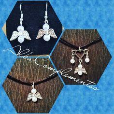 Conjunto pendientes + colgante angelitos de perlas #hechoamano en #AlbaComplementos #conjunto #pendientes #colgante #angels #angelitos #perlas #handmade #handmadejewelry #bisutería #accesorios #complementsdesign