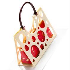 "179 Likes, 13 Comments - Reda Chenouf (@redapatisserie) on Instagram: """"Feminine"" Fraisier pistache et son sac a main chocolat blanc #fraise #fraisier #strawberry…"""