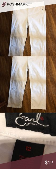 Earl cropped white jeans size 12 EUC Cute jeans cropped 22 inseam Earl Jeans Pants Ankle & Cropped