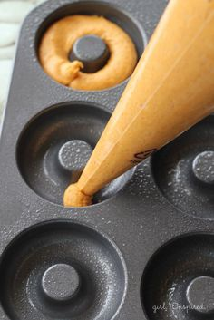 Use piping bag to add batter to donut pan - Two Ingredient Pumpkin Donuts!Use piping bag to add batter to donut pan - Two Ingredient Pumpkin Donuts! Baked Donut Recipes, Baked Doughnuts, Donuts Donuts, Pumpkin Donuts Recipe Baked, Homemade Donuts, Pumkin Donuts, Gluten Free Pumpkin Donut Recipe, Healthy Baked Donuts, Cake Donut Recipe Baked