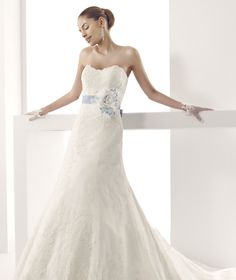 #Jolies #2015Collection #wedding dress #nicolespose ► http://www.nicolespose.it/it/abito-da-sposa-Jolies-Jacely-JOAB15401IVBL-2015
