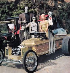 Dragula! It's getting close to #halloween gotta be rollin In the coolest #barris #kustom