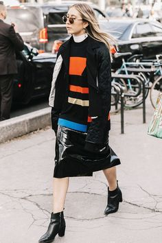 20 Outfits That Look Best With a Black Maxi Skirt Black Maxi Skirt Outfit, Pencil Skirt Outfits, Casual Skirt Outfits, Funky Outfits, Work Outfits, Spring Outfits, Winter Outfits, Trendy Outfits For Teens, Girl Fashion
