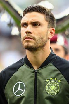 Jonas Hector German Men, Look At The Moon, European Football, Dream Team, Football Players, Athlete, Germany, Bomber Jacket, Lady