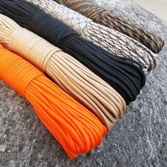 survival rope made of tear-proof parachute cord IMPORTANT: THIS PARACORD ROPE IS NOT SUITABLE FOR CLIMBING Paracord 550 rope 7 cords 31m//100ft 550lbs capacity colour: rainbow universal survival cord core coat rope made of nylon universal applicable