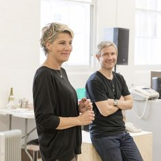 "39 Me gusta, 2 comentarios - London Theatre Direct (@londontheatredirect) en Instagram: ""Rehearsals are well underway for Labour of Love starring Martin Freeman and Tamsin Greig. Follow…"""