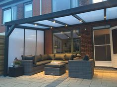 Highest quality + lowest price ForaVida - The side wall with polycarbonate ensures a good sealing of the side of the canopy. Outdoor Pergola, Backyard Pergola, Garden Gazebo, Contemporary Garden Rooms, Rooftop Terrace Design, Garden Room Extensions, Gazebos, Back Garden Design, Backyard Patio Designs