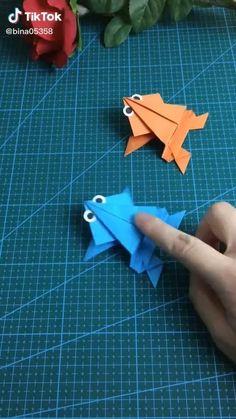 Basic Origami, Instruções Origami, Cute Origami, Origami Videos, Useful Origami, Paper Crafts Origami, Origami Design, Origami Easy Step By Step, Paper Crafts Magazine