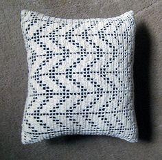 filet crochet pillow #crochet