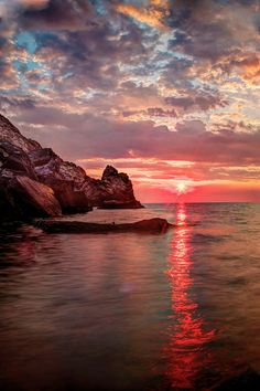 Sunset at Porto Venere, Liguria, Italia Beautiful World, Beautiful Places, Beautiful Scenery, Landscape Photography, Nature Photography, Magic Places, Beautiful Sunrise, Belle Photo, Pretty Pictures