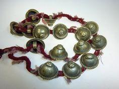 15 vintage Turkoman Buttons am Band von neemaheTribal auf Etsy