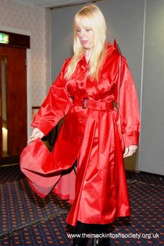 Lovely red rubber-lined satin mackintosh Latex, Lucy Lucy, Red Fashion, Womens Fashion, Rubber Raincoats, Weather Wear, Macs, Rain Wear, Preppy Style