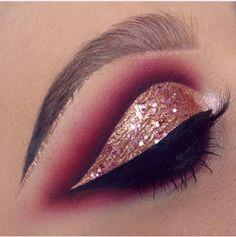 Love this eye look.