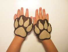 Bear felt cuffs 2 pcs - brown handmade animal costume accessory for boy girl kids adults - dress up play Photo booth props Theatre roleplay Kids Bear Costume, Animal Costumes For Kids, Kids Costumes Boys, Book Costumes, Diy Dog Costumes, Costume Ideas, Bear Felt, Le Roi Lion, Photo Booth Props