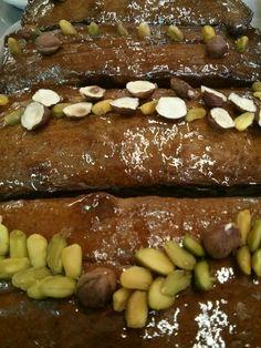 Cakes pistaches-noisettes décorés
