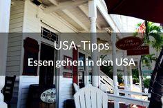 Beim Essen gehen in den USA gibt es einige Unterschiede zu uns in Deutschland. Klar, nichts Gravierendes. Es gibt lediglich ein paar Dinge, die du beachten solltest. Außerdem erfährst du, wieso es Spaß macht, in den USA Softdrinks zu trinken. Du fliegst auch bald in die Staaten? Ich zeige dir, was du beim Essen gehen