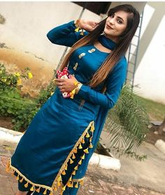 Patiala Suit Designs, Kurti Designs Party Wear, Patiala Salwar, Patiala Dress, Girls Dp Stylish, Stylish Girl Images, 1950s Fashion Women, Girl Fashion, Punjabi Dress Design